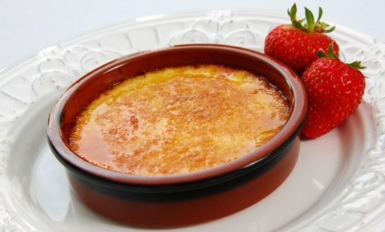 White-Chocolate-Strawberry-Creme-Brulee